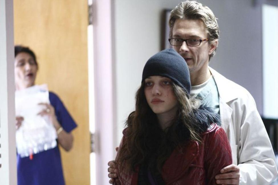Kat Dennings and Peter Stebbings on the set of