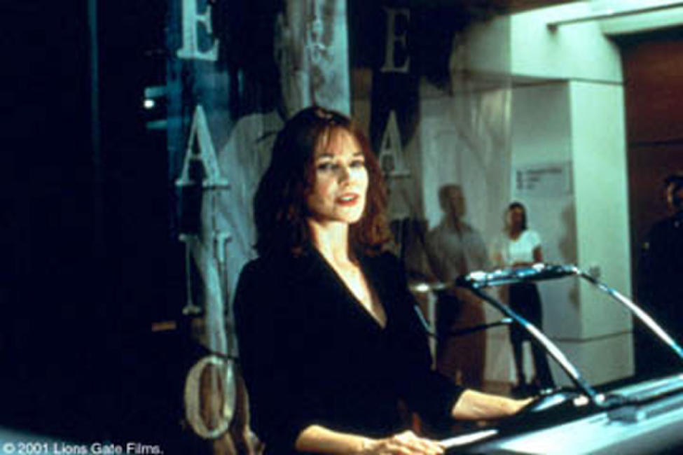 Valerie (Barbara Hershey) in