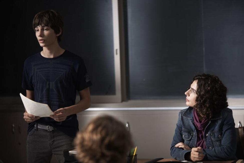 Devon Bostwick as Simon and Arsinee Khanjian as Sabine in