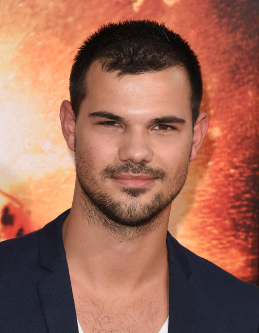 Taylor Lautner at the California premiere of