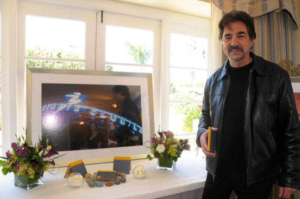 Joe Mantegna at the Luxury Lounge in honor of the 2008 SAG Awards featuring Sports Club/LA.