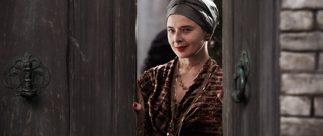Isabella Rossellini as Parvine in