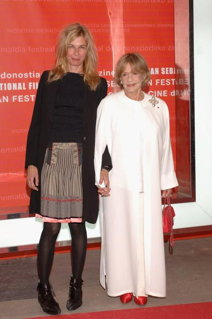 Sara Driver and Jeanne Moreau at the opening Ceremony of 54th San Sebastian Film Festival.