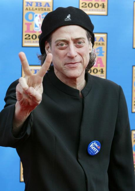 Richard Lewis at the 2004 NBA All-Star Game.