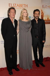 Geoffrey Rush, Cate Blanchett and Jordi Molla at the premiere of