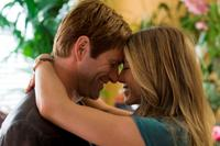 Aaron Eckhart and Jennifer Aniston in