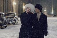 Cate Blanchett as Daisy and Joshua DesRoches as Vic Brody in
