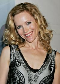 Leslie Mann at the 2006 Writers Guild Awards.