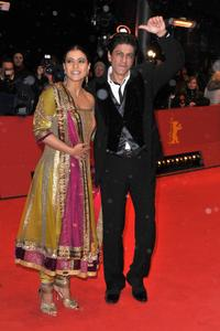 Kajol Devgan and Shah Rukh Khan at the premiere of