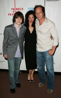 William Fichtner, his wife Kymberly and son at the premiere of