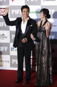 Lee Byung-Hun and Su Ae at the opening ceremony of the Pusan International Film Festival.
