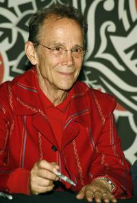 Joel Grey at the signing of the newly released Chicago 10th Anniversary CD/DVD Box Set.