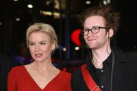 Renee Zellweger and Mark Rendall at the premiere of