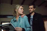 Rachael Taylor as Jane and Joshua Jackson as Ben in