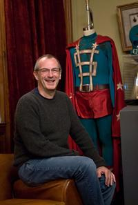Dave Gibbons on the set of