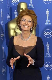 Sophia Loren at the 71st Annual Academy Awards.