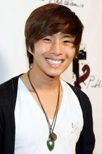 Justin Chon at the 2009 Totally Texty Teen Choice Awards Pre-party.