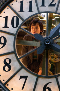 Asa Butterfield as Hugo Cabret in