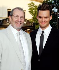 Ed O'Neill and Austin Nichols at the premiere of