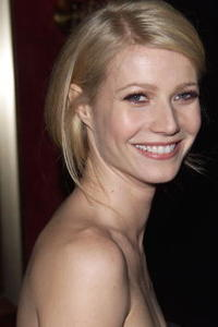 """Gwyneth Paltrow at the premiere of """"Bounce"""" in New York City."""