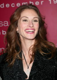 """Julia Roberts at the premiere of """"Mona Lisa Smile"""" in New York City."""