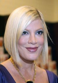 Tori Spelling at the signing for her book
