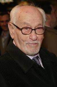 Eli Wallach at the Broadway opening of