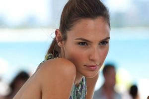 News Briefs: 'Wonder Woman' Star Gal Godot Eyeing 'Ben-Hur'; Haunting New 'Hunger Games: Mockingjay -- Part 1' Teaser