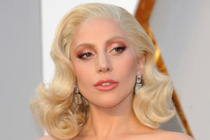 News Briefs: Lady Gaga Touted for Bradley Cooper's 'A Star Is Born'