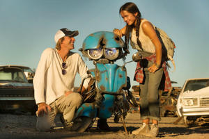News Briefs: First Look at New 'Transformers: Last Knight' Robot