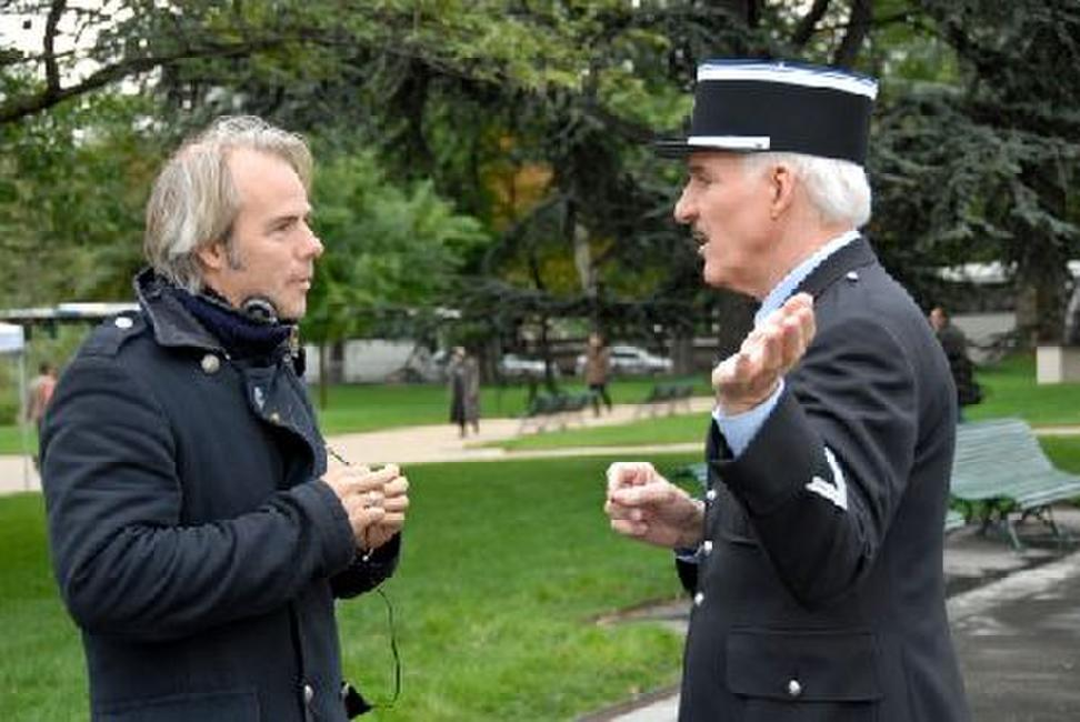 Director Harald Zwart and Steve Martin on the set of