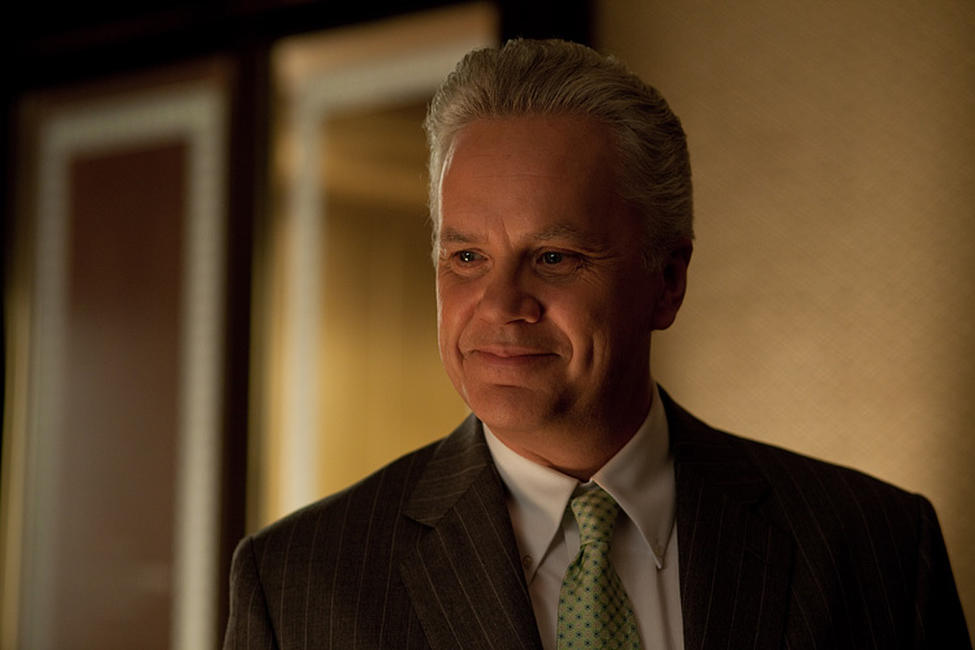 Tim Robbins as Senator Hammond in