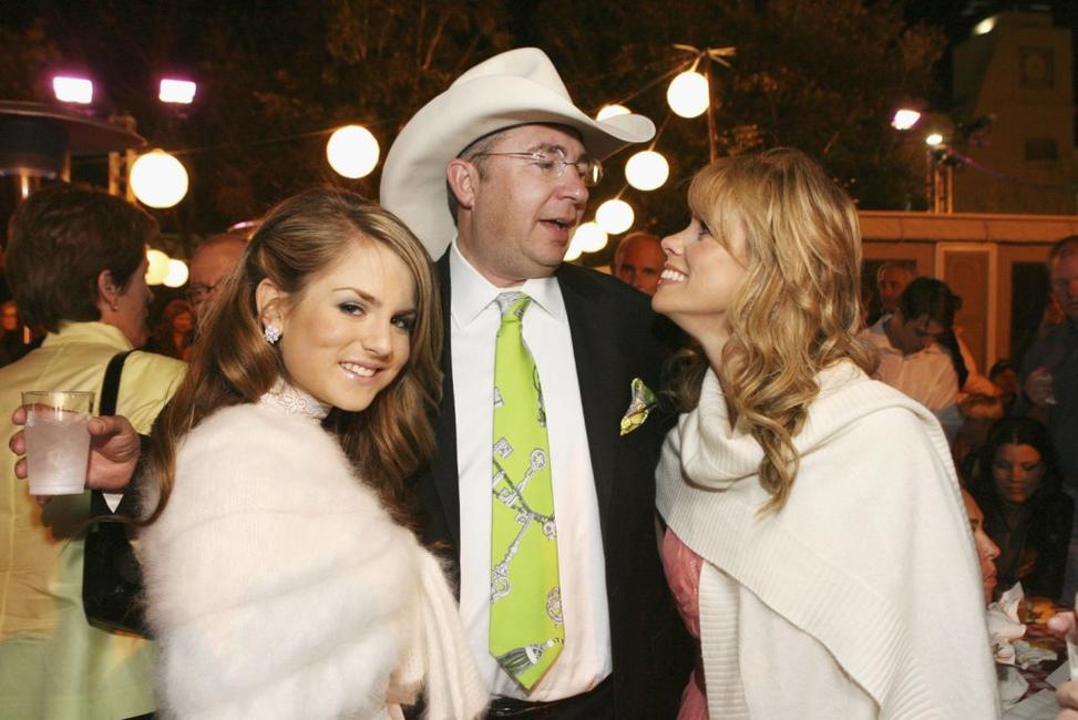 Barry Sonnenfeld, Jo Jo Levesque and Cheryl Hines at the afterparty for the premiere of