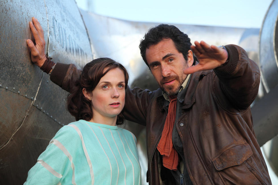 Kerry Condon and Demian Bichir in