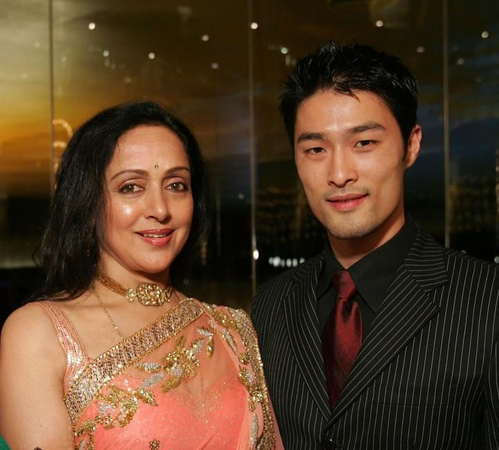 Hema Malini and Johnny Nguyen at the 2007 Bangkok International Film Festival Opening Ceremony.