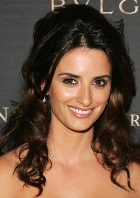 Penelope Cruz at the 2006 National Board of Review Awards Gala in New York City.