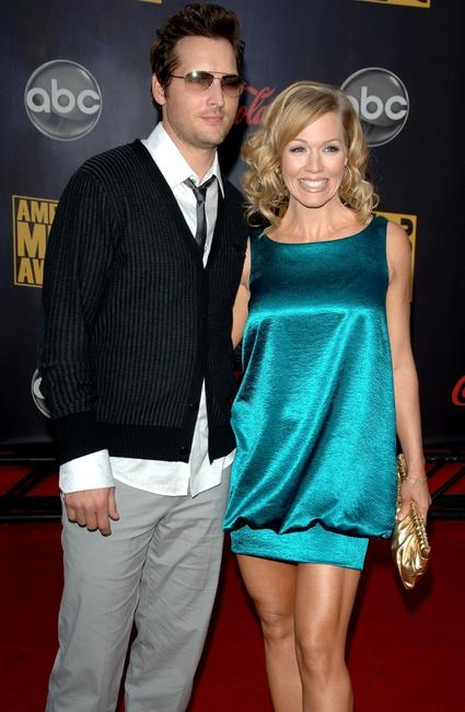 Peter Facinelli and wife Jennie Garth at the 2007 American Music Awards.