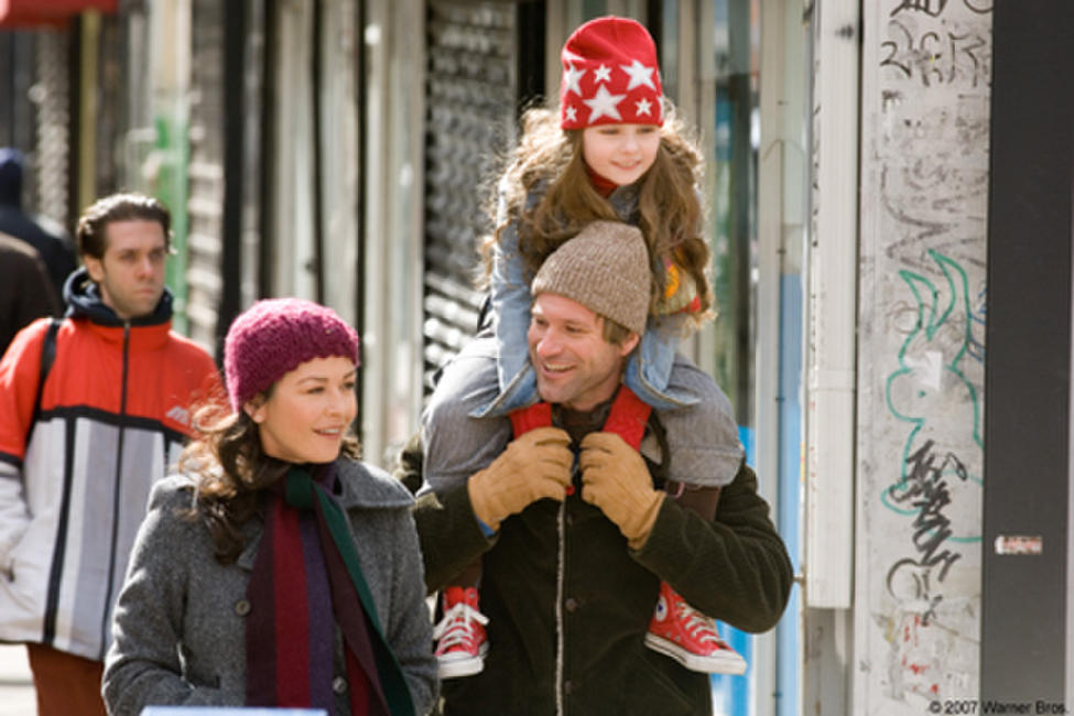 Catherine Zeta-Jones, Abigail Breslin and Aaron Eckhart in