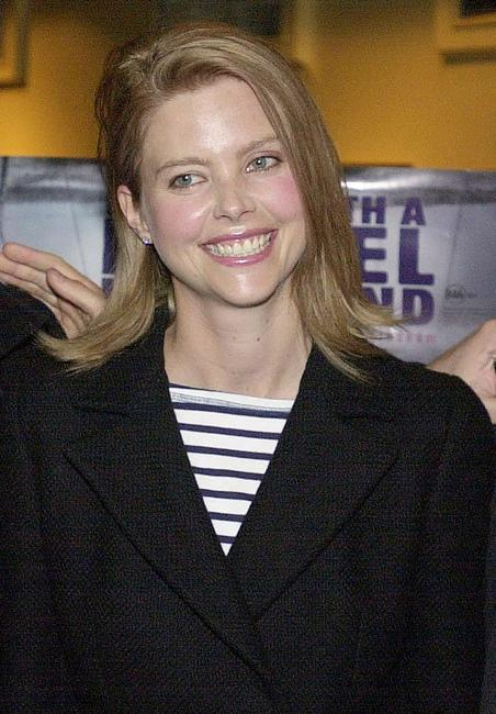 Sophie Lee at the premiere of