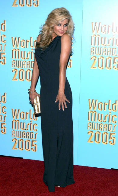 Carmen Electra at the 2005 World Music Awards.