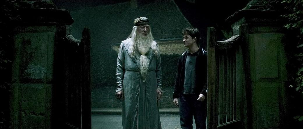 Michael Gambon as Albus Dumbledore and Daniel Radcliffe as Harry Potter in