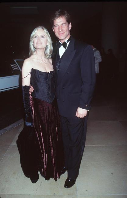 Susan George and Simon MacCorkindale at the 1999 AFI Awards honoring Dustin Hoffman.