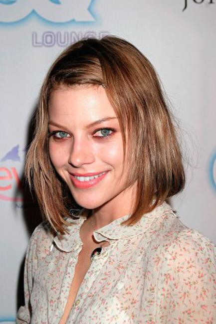 Lauren German at the GQ Lounge Los Angeles Celebration of
