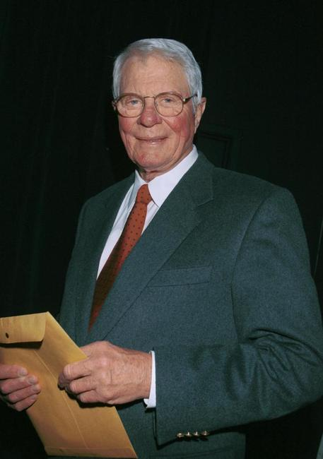 Peter Graves at the Pacific Pioneer Broadcasters Awards Luncheon honoring actress Beverly Garland.