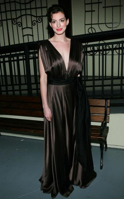 Anne Hathaway at the 2005