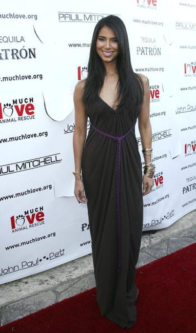 Roselyn Sanchez at the Much Love Animal Rescue's Bow Wow Ciao Benefit