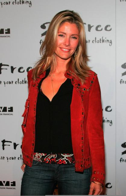 Tava Smiley at the 2 B Free's Spring 2006 Collection fashion show.