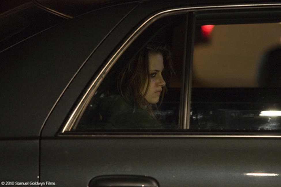 Kristen Stewart as Mallory in