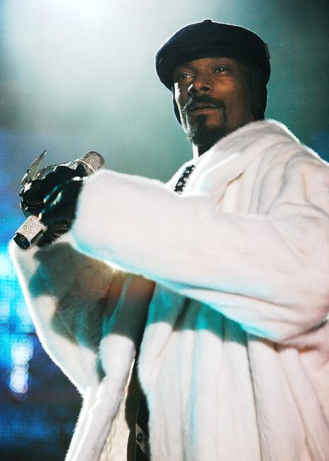 Snoop Dogg at the 13th annual MTV Europe Music Awards 2006.
