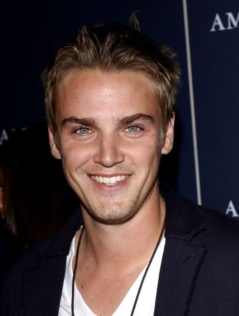 Riley Smith at the AE Jeans Will Rock You Campaign.
